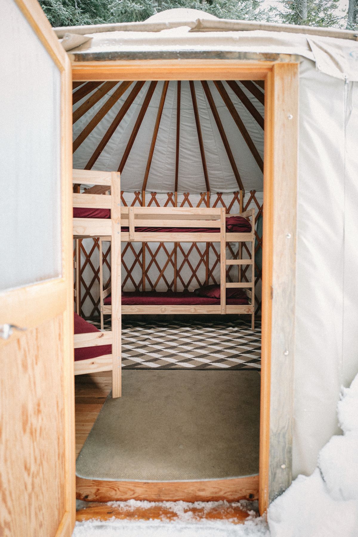 Yurt Mount Engadine1